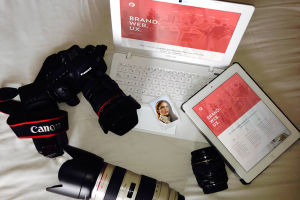 FREE PSD RESPONSIVE WEBSITE & PHOTO MOCKUPS DOWNLOAD